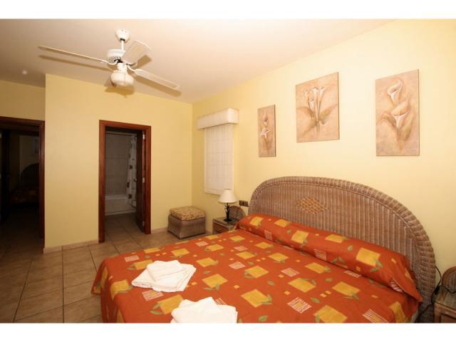 En-suite bedroom - Villa Gomera, Caleta de Fuste, Fuerteventura
